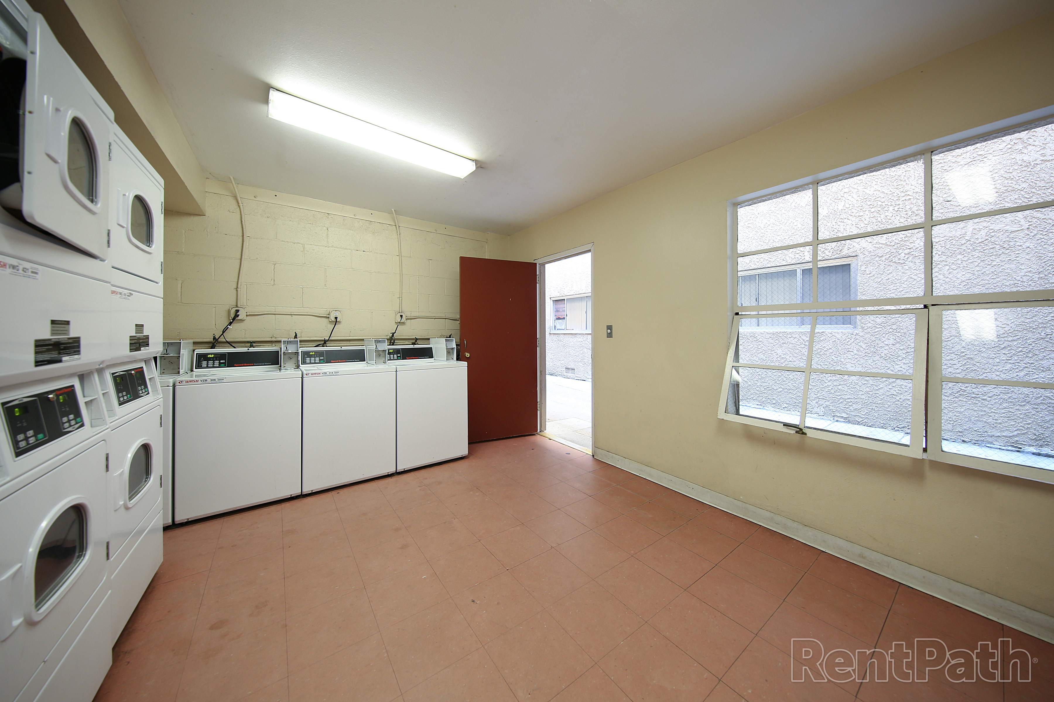 Villa Sorrento Apartments Image #7