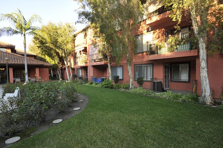 Belcourt Senior Apartments Image #14