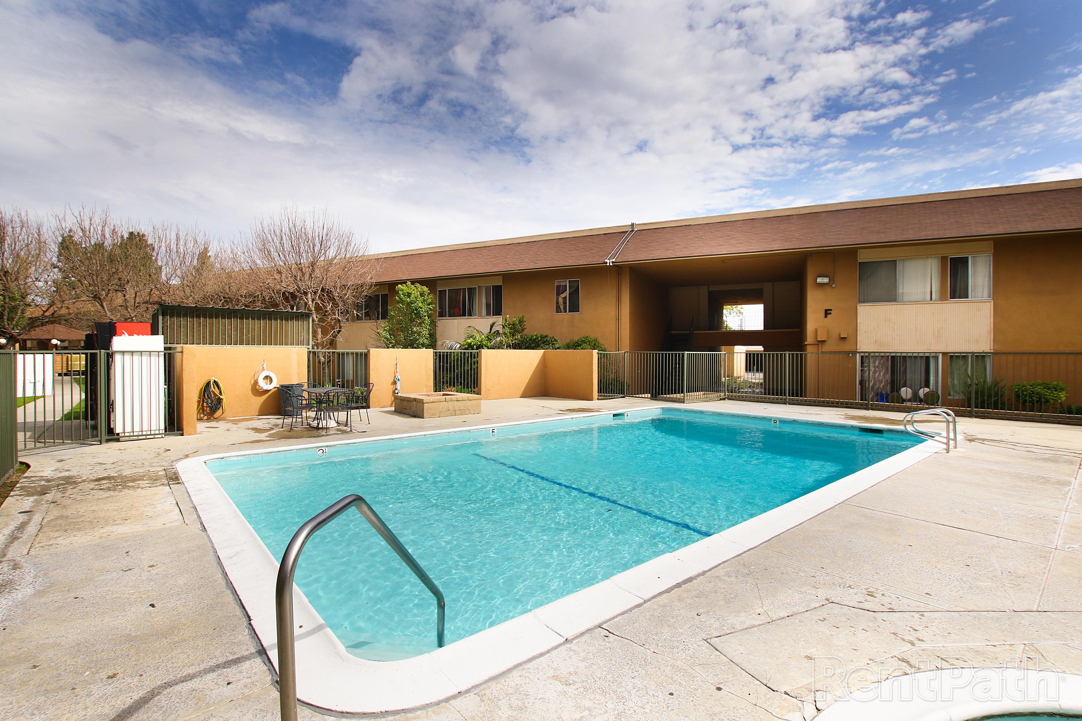 Biltmore Apartments Image #2