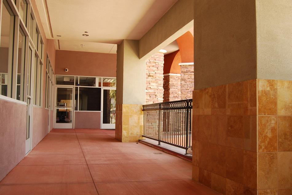 Riverside Shopping Center Image #5